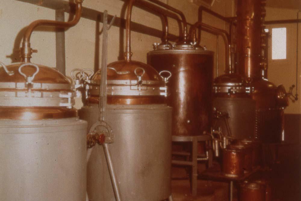 Z\'Graggen Distillerie AG, Lauerz – Geschichte